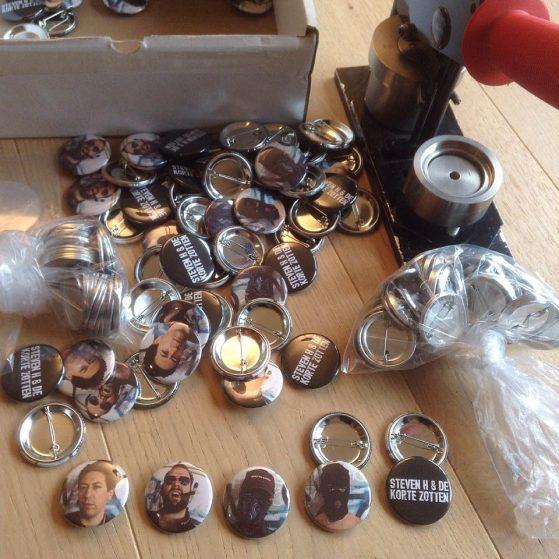 buttons Steven H & de Korte Zotten